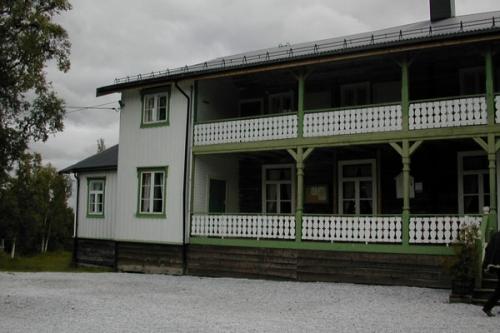 19024