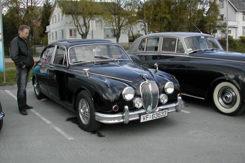 19761